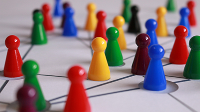 ¿Qué diferencia a un experto en redes sociales de un vendehúmos?